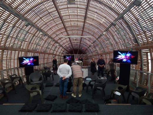 Pronájem projekční techniky - výstava DOX